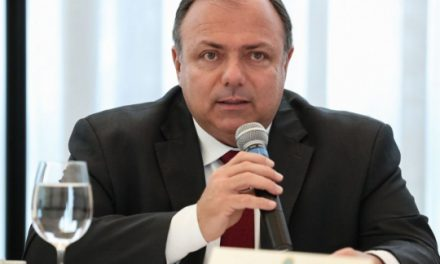 Ministério só gastou 27,2% do dinheiro para combater pandemia, admite Pazuello