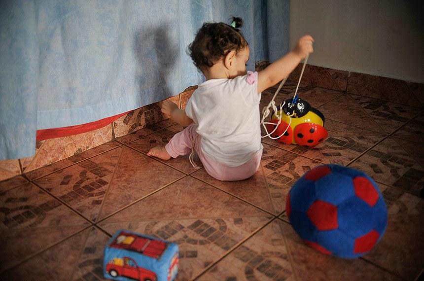 Projeto prevê teletrabalho para pais de crianças com creche fechada