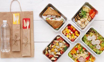 Bares e restaurantes vão além do delivery