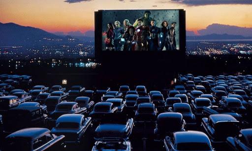 Cinema drive-in estreia em Goiânia com maior tela de cinema do País
