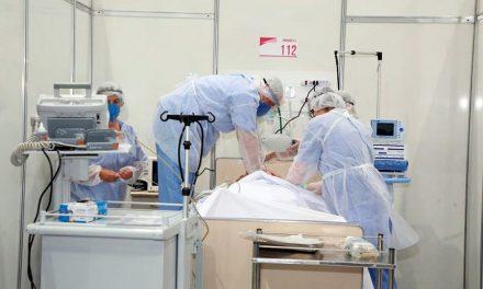 Segue para sanção prioridade de testagem de covid-19 para profissionais essenciais