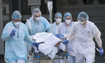 Média de mortes diárias por covid-19 no Brasil chega a 736,43
