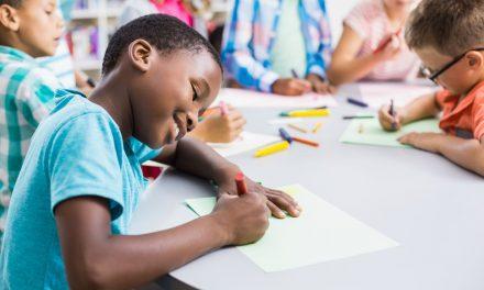 Descontos em mensalidade escolar merece atenção dos pais