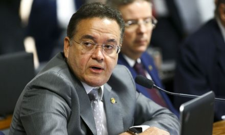 Comissão da reforma tributária receberá Paulo Guedes na próxima semana