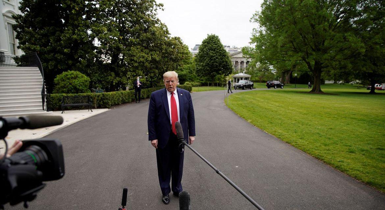 Trump sugere adiar eleição presidencial, mas decisão cabe ao Congresso