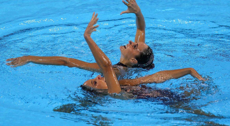 Seleção brasileira participa de desafio virtual de nado artístico
