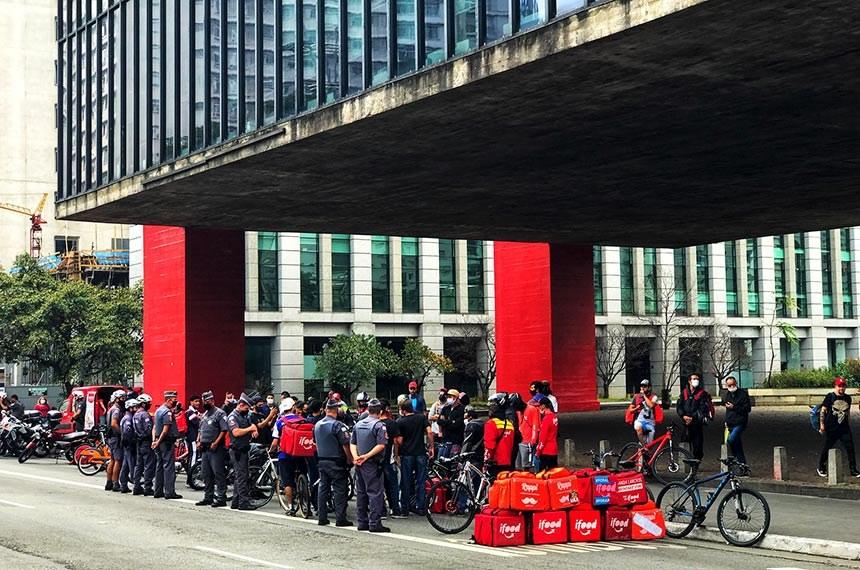 Senadores apoiam greve de entregadores e apresentam projetos pró-reivindicações