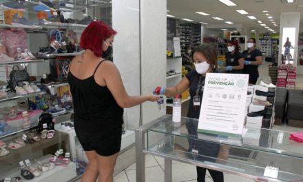 Lojas terão limite de 1 pessoa por 12 metros quadrados