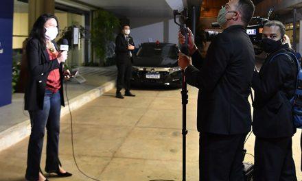 Senado: uso de máscara por repórteres de TV pode se tornar obrigatório