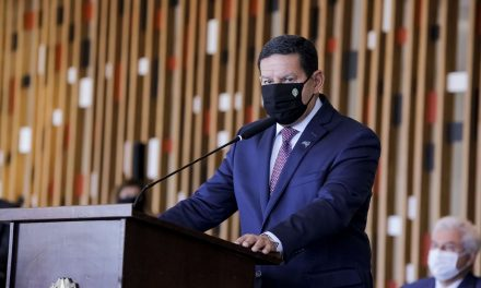 'Imposição de disciplina' no Brasil 'não funciona', diz Mourão sobre lockdown para combater Covid
