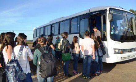 Projeto permite que municípios ofereçam transporte gratuito para estudante de ensino superior