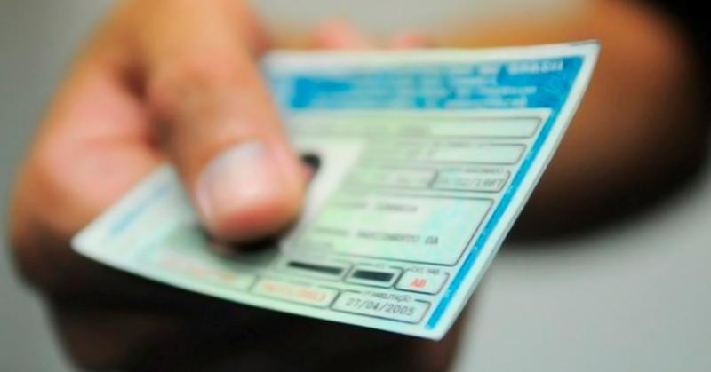 PMs e Bombeiros terão isenção automática de taxas relacionadas à CNH