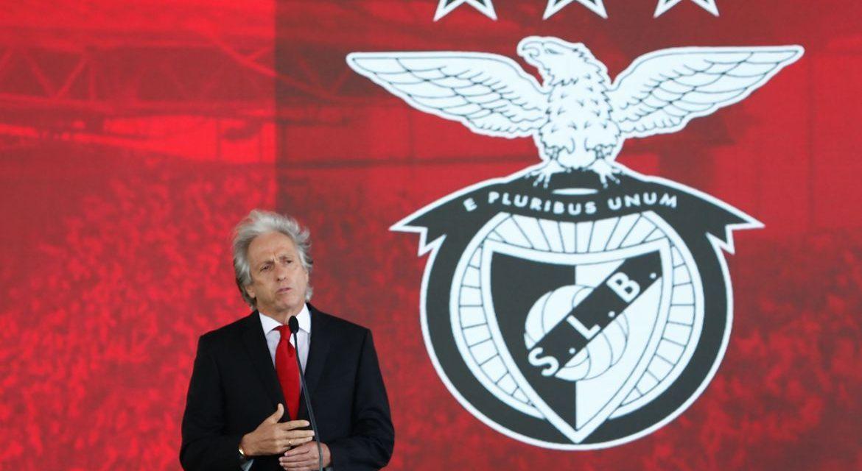 Jorge Jesus estreia no Benfica, com nove brasileiros no elenco