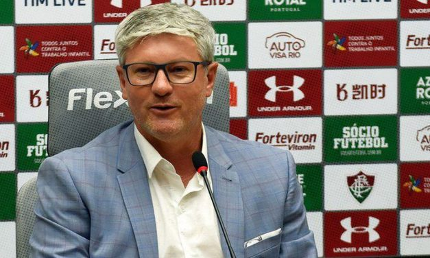 Odair Hellmann comanda Fluminense contra o Bragantino