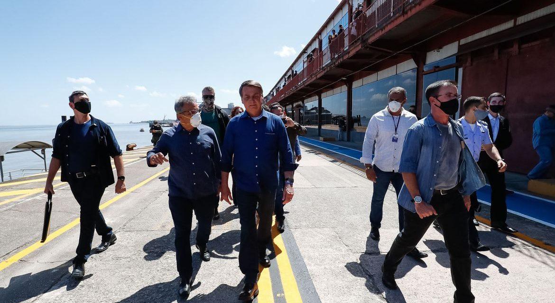 Bolsonaro entrega obra no Pará