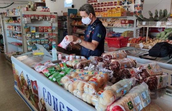 Procon Goiás apreende mais de 16 toneladas de produtos impróprios para o consumo em 7 meses