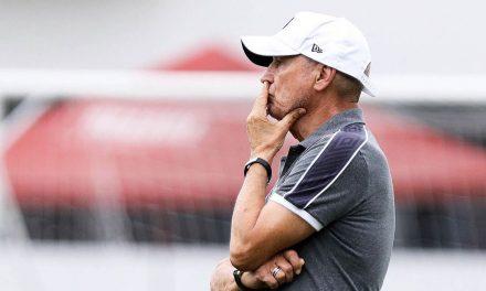 Santos anuncia demissão do português Jesualdo Ferreira