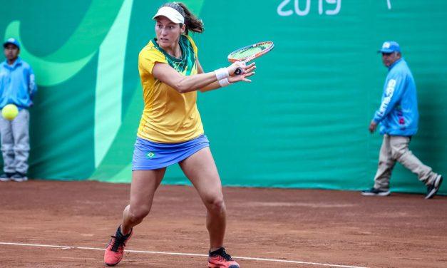 Brasileira estreia com vitória nas duplas no WTA de Lexington, nos EUA