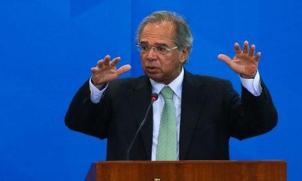 'Aumento real do mínimo pode gerar milhões de desempregados', diz ministro