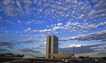 Senado proíbe corte de bolsas de estudo até 2021