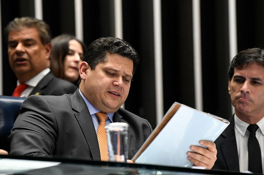 Davi Alcolumbre prorroga MPs que liberam R$ 3 bi para combater pandemia