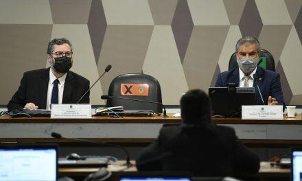 Araújo diz que declarações de Pompeo foram alvo de má tradução