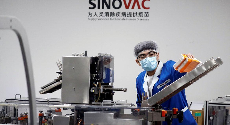 China diz que OMS aprovou uso emergencial de vacina contra coronavírus