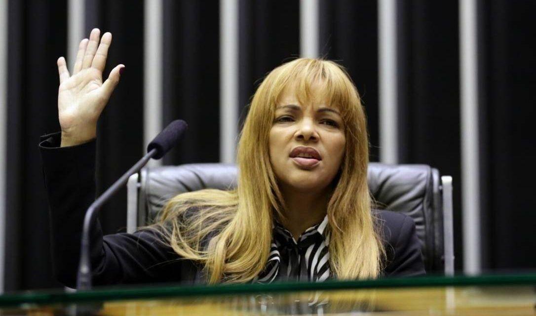 Mesa encaminha denúncia contra Flordelis para a Corregedoria da Câmara