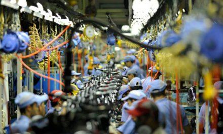 Confiança da indústria atinge maior valor em dez anos
