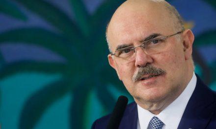 Ministro diz que MEC não tem autonomia para definir volta às aulas