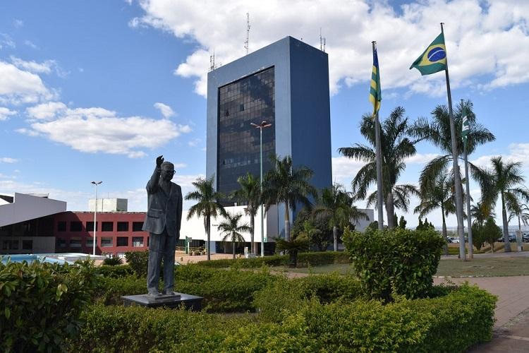 Prefeitura de Goiânia convoca 1.380 profissionais de saúde