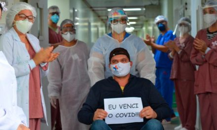 Paciente de Covid-19 se recupera após 56 dias intubado