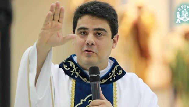 MP denuncia padre Robson e outras 17 pessoas por organização criminosa e lavagem de dinheiro