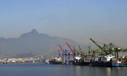 Balança comercial tem saldo positivo de US$ 6 bilhões