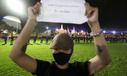 Protestos contra monarquia ganham força na Tailândia