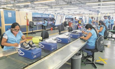 Indústria cresce e estados superam pré-pandemia, incluindo Goiás