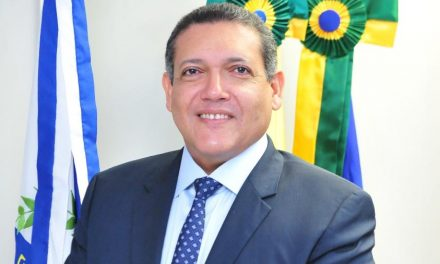 Bolsonaro nomeia Kassio Nunes Marques como ministro do STF