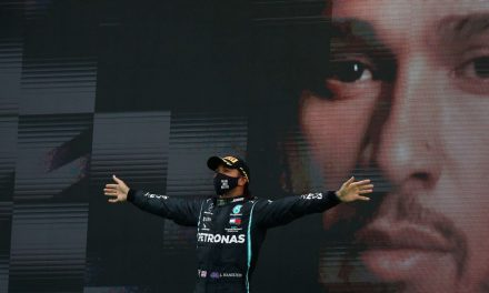 Futuro de Hamilton ganha importância ainda maior após recorde