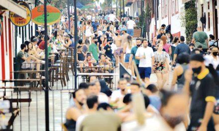 Governo de Goiás prevê novas ações para conter aglomerações nos municípios turísticos