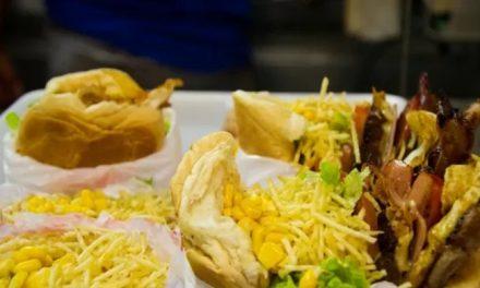 Sindpit-dog promove doação de mais de 1.600 sanduíches em homenagem ao aniversário de Goiânia