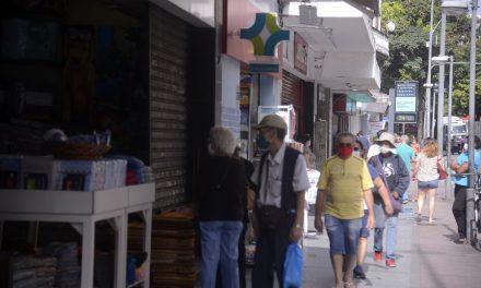Prefeitura aplica multas em bares do Leblon, no Rio, por aglomeração