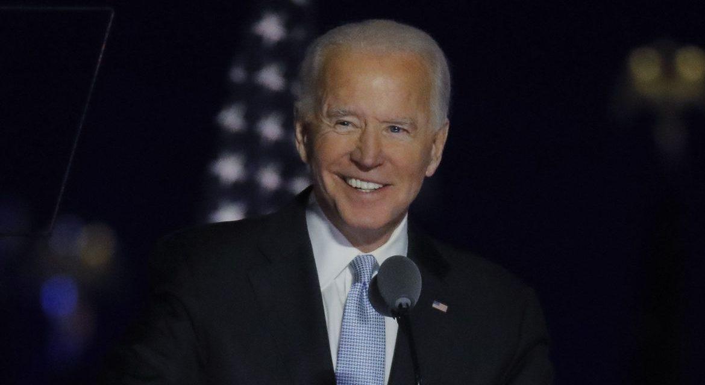 Biden convoca força-tarefa anticovid e pede que população use máscara