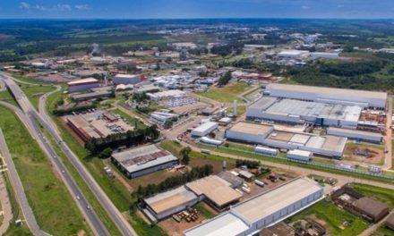 Caiado assina protocolos de intenção com 43 empresas, que devem investir mais de R$ 3.3 bilhões em Goiás
