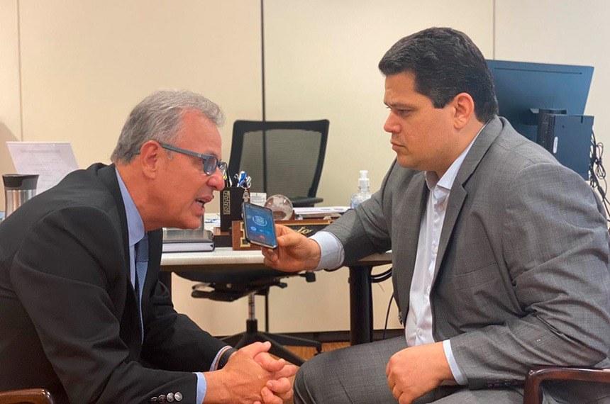 Davi se reúne com ministro para discutir restabelecimento da energia no Amapá