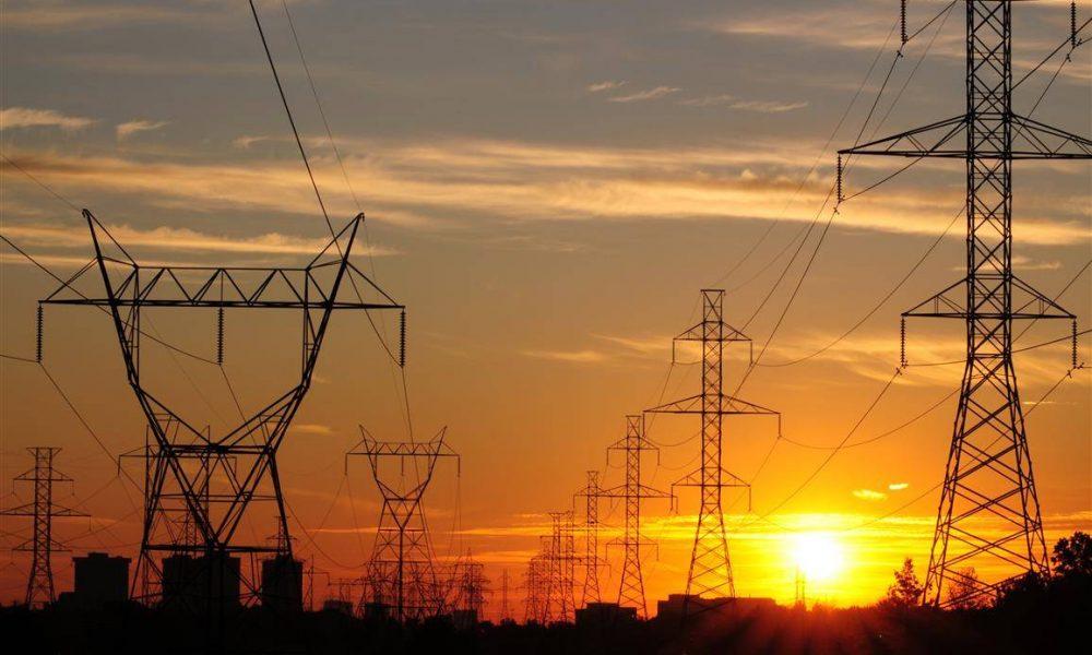 Quatorze cidades do Amapá continuam sem energia elétrica