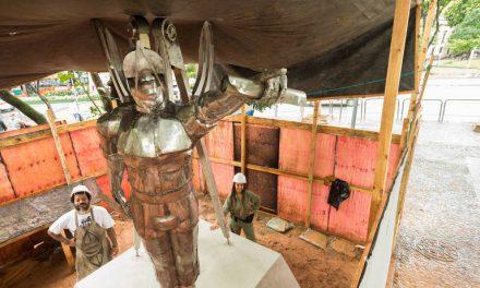 SP recebe estátua em homenagem a arquiteto negro do século 18