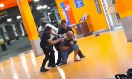 Polícia prende fiscal do Carrefour que aparece filmando espancamento de João Alberto