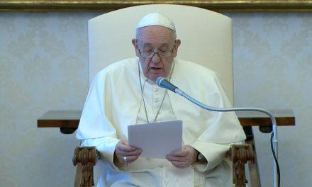 Papa nomeia novos cardeais, entre eles o primeiro afro-americano