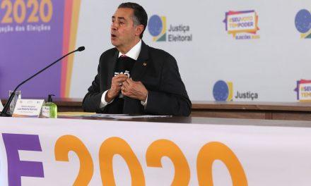 Barroso: e-Título tem falhas, mas serve bem para identificar eleitor
