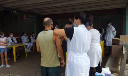 Goiânia realiza frente de vacinação contra febre amarela e poliomielite